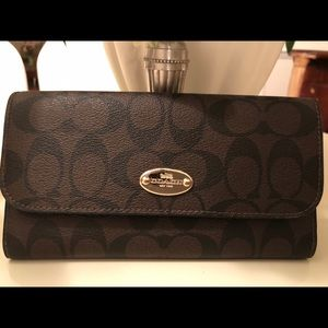 Coach Wallet Coffee Color Never Used